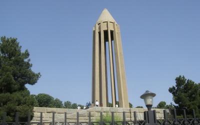 مقبره ابن سینا
